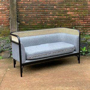 Sofa Rotan Kombinasi Kayu Jati