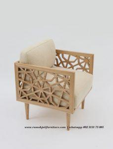 Sofa Single Unik Ukiran Roda Bubut